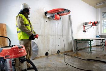 Řezání stěnovou pilou